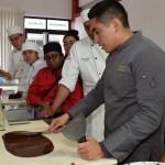 IMPARTEN CURSO DE CHOCOLATERÍA EN LA UTVM